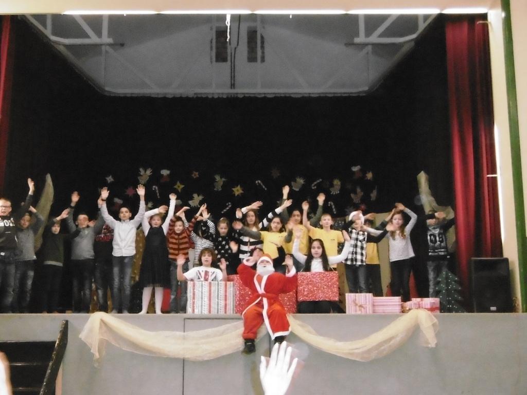 Weihnachtsfeier Theaterstück.Pfalzschule Bergkamen Weihnachtsfeier 2017